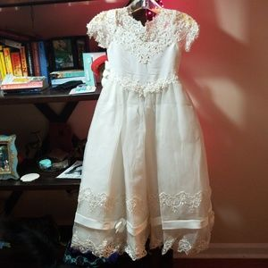 Beautiful flower girl dress for wedding